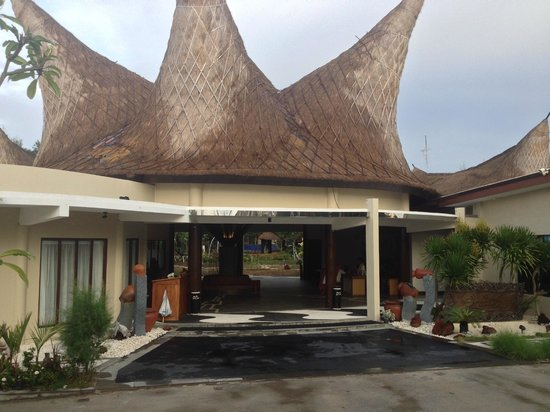 Aston Sunset Beach Resort: Main Reception