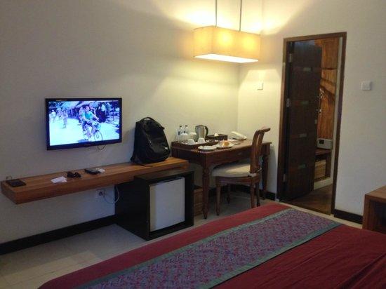 Aston Sunset Beach Resort: Room common area