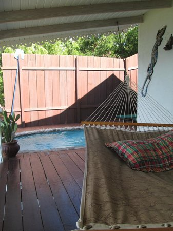 Ti Kaye Resort & Spa : Deck with hammock and private pool
