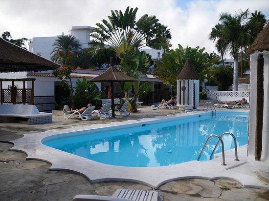 San Valentin & Terraflor Park: Kalter, aber sauberer Pool
