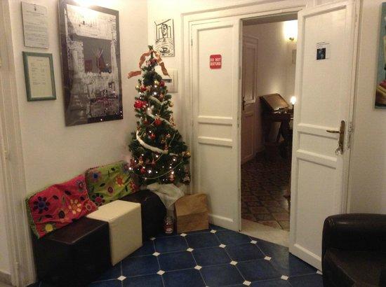 La Fuitina: Entrance to Red Room
