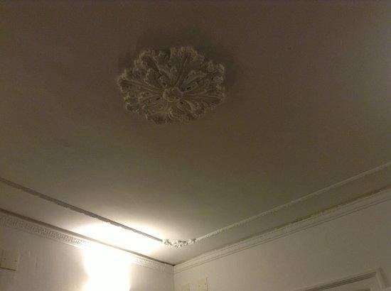 La Fuitina: Ceiling design