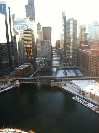 Holiday Inn Chicago Mart Plaza River North : down the river view