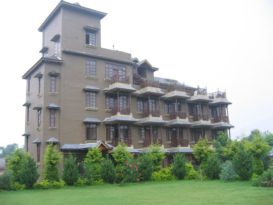 Blossoms Village Resort: The Resort