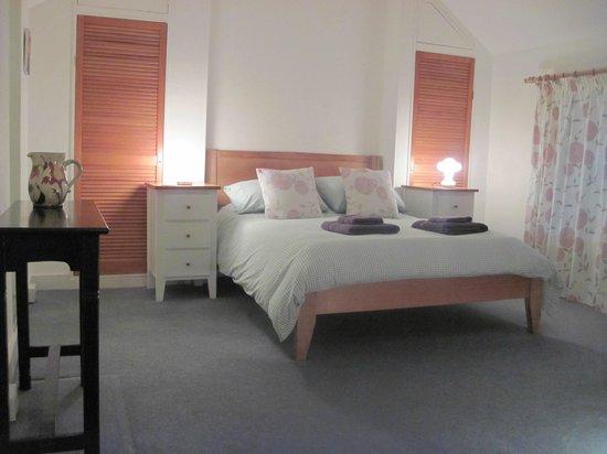 Little Pengelly Farm B&B: Room One