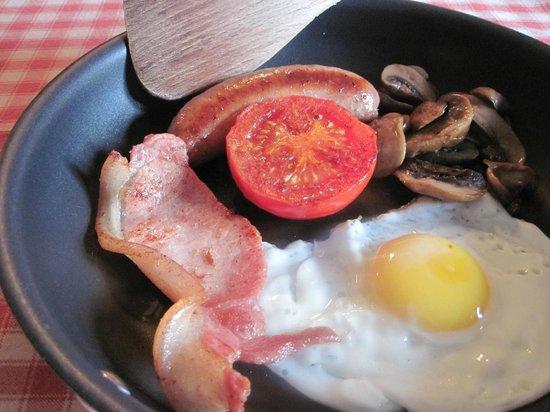 Little Pengelly Farm B&B: Breakfast
