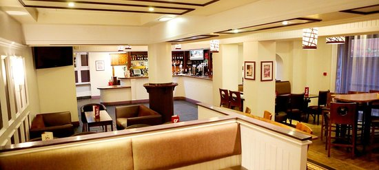 Jurys Inn Manchester City Centre: Bar area
