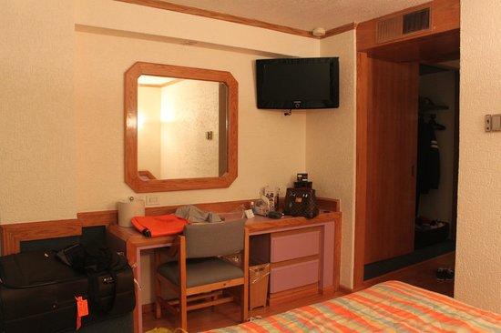 Hotel Casa Blanca Mexico City : dresser