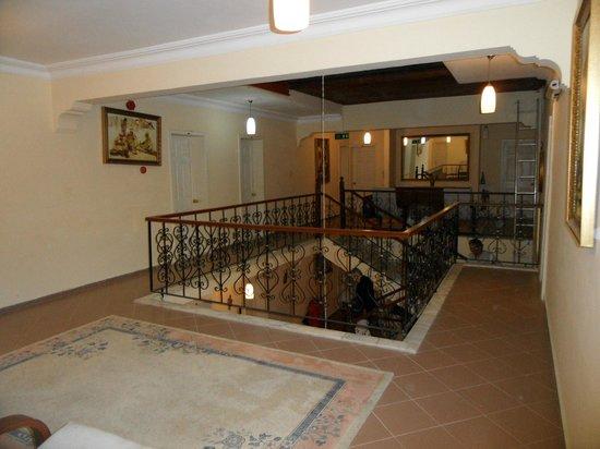 Sevi Classic Hotel : Hal op de derde verdieping