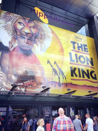Birmingham Hippodrome: Disappointing production, should have waited to see it in London