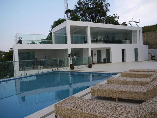 The Seventeen Apartment - Hotel: The pool and pool house