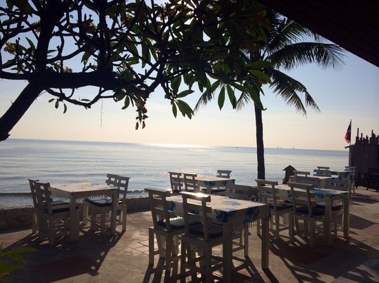 White Sand Beach Hotel: Garden View