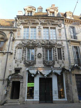 Rue Des Forges : Maison Maillard 09/12/2013