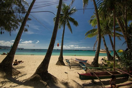 The Greenhouse (Boracay Beach House): View from the front