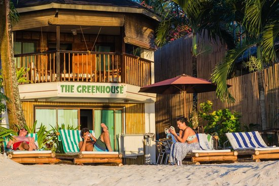 The Greenhouse (Boracay Beach House): Front in the sunset