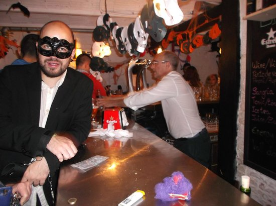 Madrid Motion Hostel: Halloween at the Motion Hostel