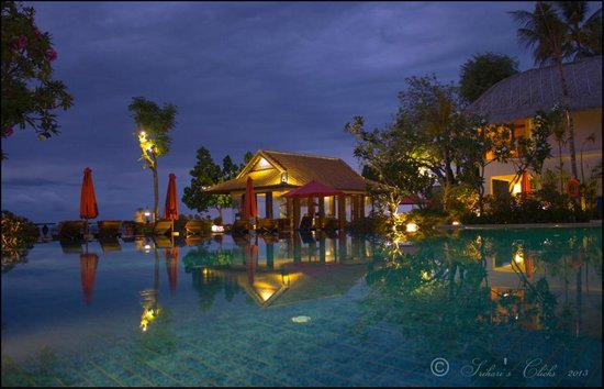 Mangsit, Indonesia: Across the pool