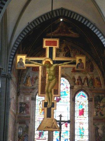 Church of Santa Maria Novella: El cristo de Giotto