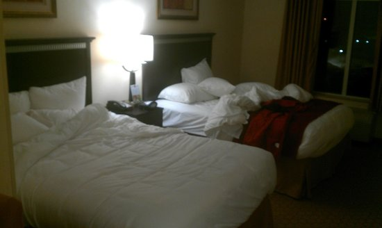 Comfort Suites Indianapolis: These were how the rooms were found