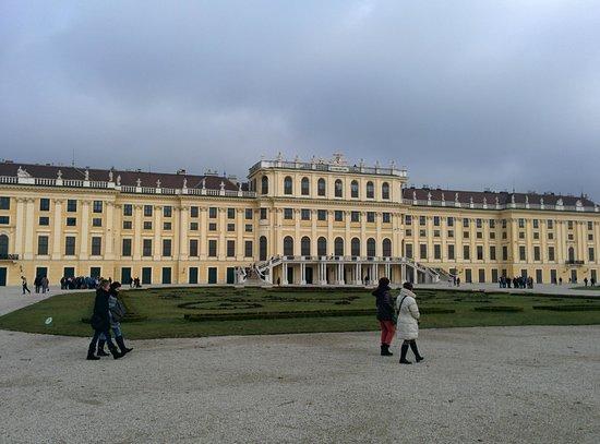Gärten von Schönbrunn: la facciata principale