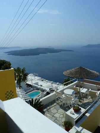 Dana Villas Hotel & Suites: Volcano view