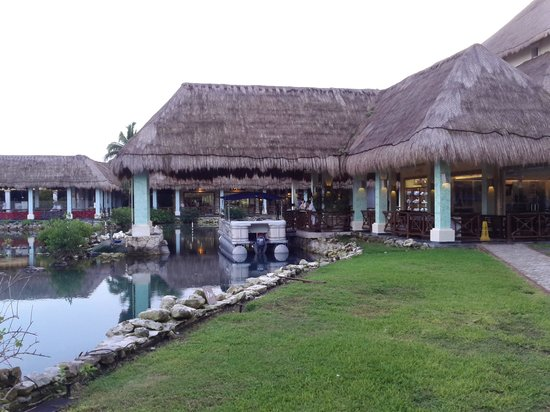 Grand Palladium White Sand Resort & Spa: pontoon ride White sands