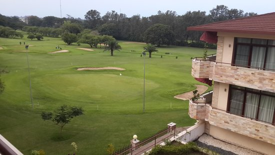 Roca Golf Hotel : Nice view of the golf course from my room