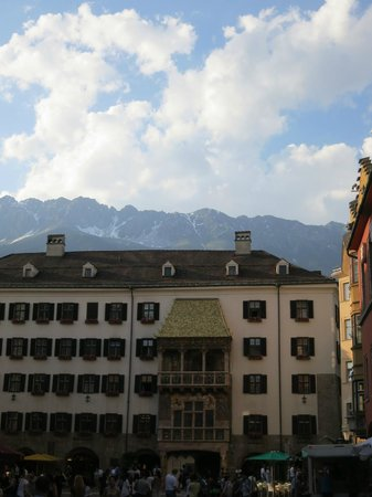 The Golden Roof (Goldenes Dachl): Afternoon Light over Daschl