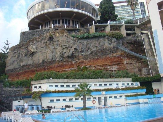 Pestana Carlton Madeira : нижний бассейн