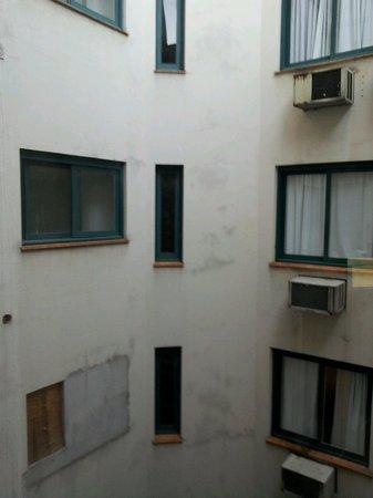 Eko Residence Hotel: Vista do quarto