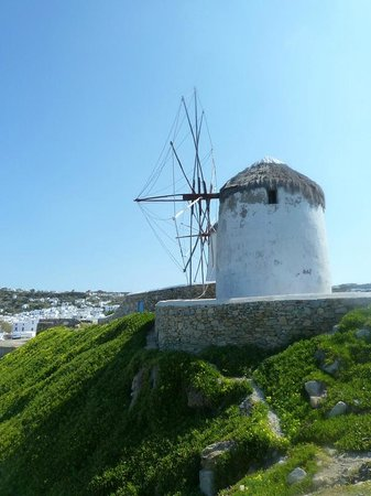 Madalena Hotel: Windmills all over the islands