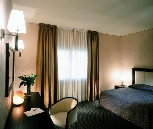 Hotel La Fenice: camera