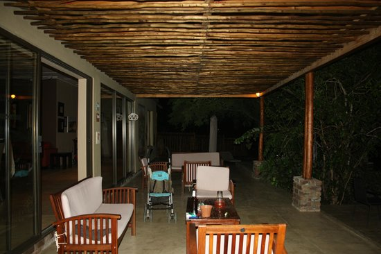 Turaco Lodge: Outside Area