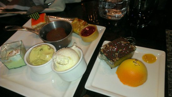 Wicked Spoon: Deserts yum