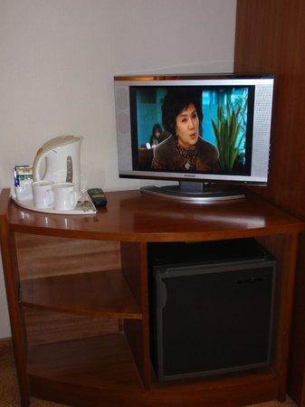 ibis Ambassador Seoul Myeongdong: Double Room LCD TV