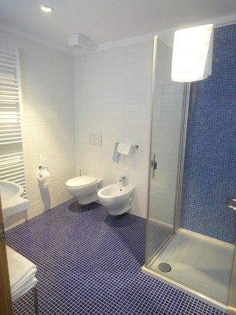 Hotel Romanda : il bagno
