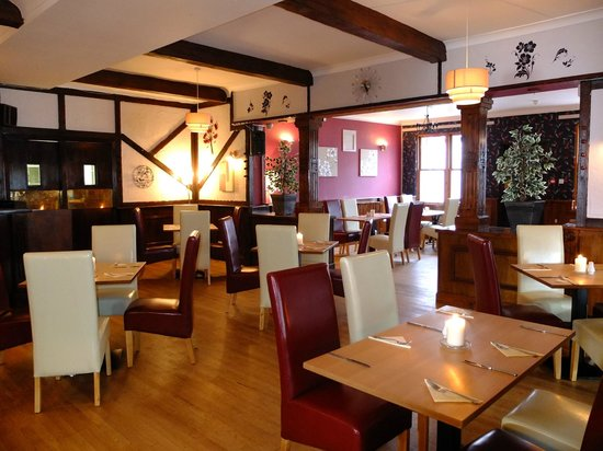 The Crown Hotel: Knights Restaurant