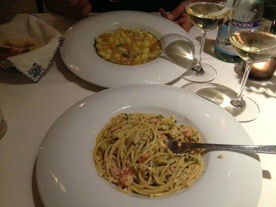 La Galleria di Sopra : Spaghetti con gamberi e gnocchetti di patate rosse