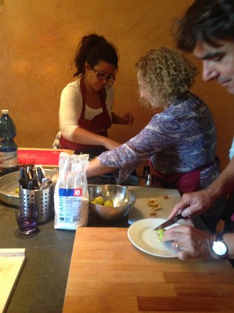 Organic Tuscany Cooking Classes: Learning the skills and techniques of Tuscan cooking