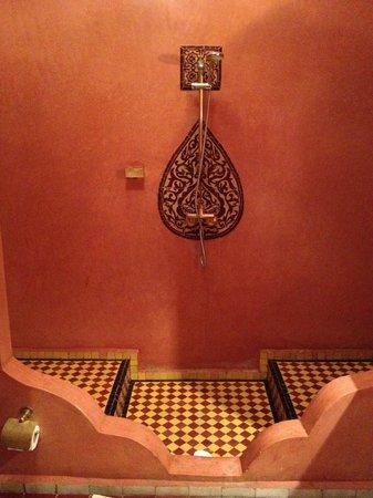 Riad le Clos des Arts : Shower