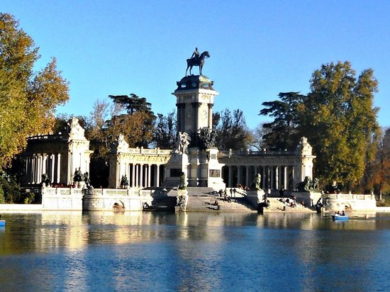 Parque retiro madrid picture of retiro park parque del for Parque del retiro madrid