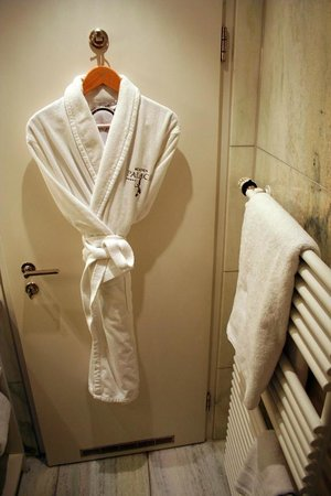 Hotel Muenchen Palace: Robe and slippers waiting, with heated towel rack