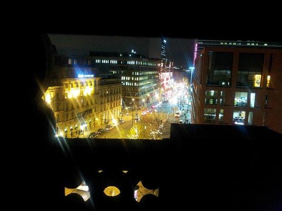 Gardens Hotel: View from window down Christmassy Portland Street