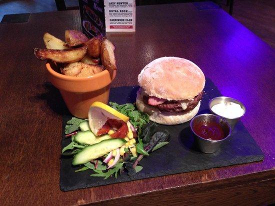 Rock Garden Cafe Bar: The burger