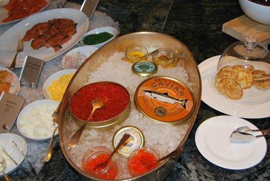 Hotel Adlon Kempinski: Caviar at breakfast