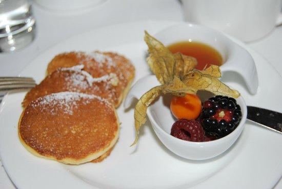 Hotel Adlon Kempinski : Pancakes at breakfast!