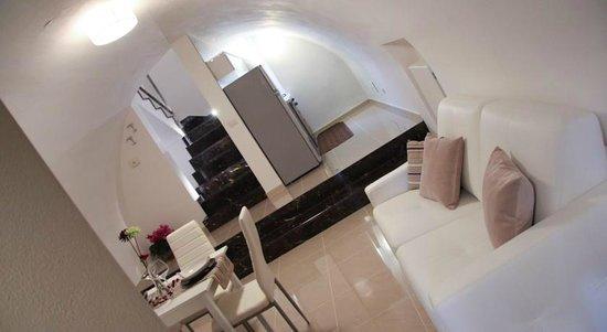 COMODO SOGGIORNO - Picture of La Cattedrale Suites B&B, Gravina in ...