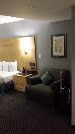 Club Quarters Hotel, World Trade Center: Nice sized room for NYC