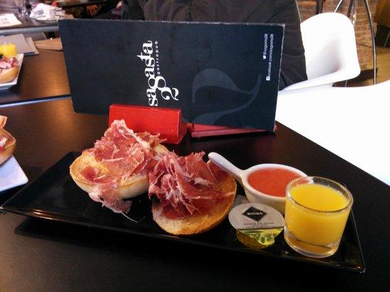 Sagasta 28 : Este fue mi desayuno... que rico!