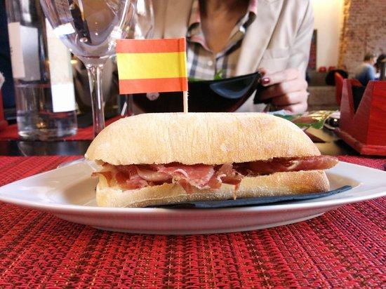 Sagasta 28 Bistro & Gourmet : una tapa de jamon